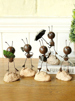 Picture of Desk Display Vivid Iron Ant Crafts Chic Home Decor
