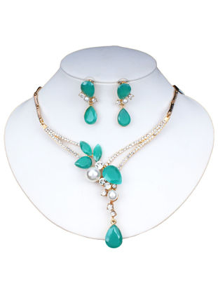 Picture of 3Pcs Women's Jewelry Set Imitation Pearls Imitation Crystals Design Elegant Necklace Earrings Set - Size:One Size
